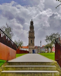 clerigos-church-and-tower-porto-guide-travel-blog-blogger-traveling-review