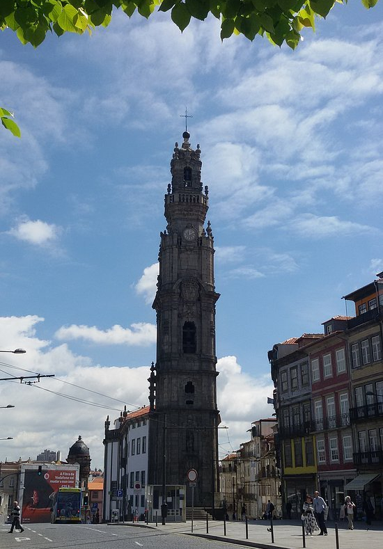 porto-traveling-guide-attractions-Clerigos-Tower- Dom_Luís_I-lello-library